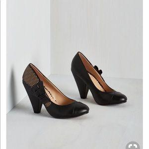 Nib Flamenco with the glow heels size 10